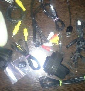 Провода, наушники,мышка,микрофон.