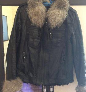 Кожаная куртка (воротник лисы, подклад волка) торг
