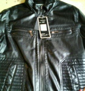 Продаю мужскую куртку новую
