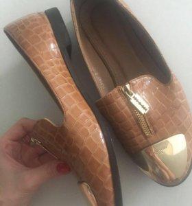 Ботинки женские новые !