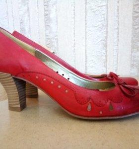 Туфли женские кожа. Размер 40