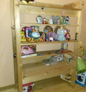 Стеллажи и полки для игрушек из дерева