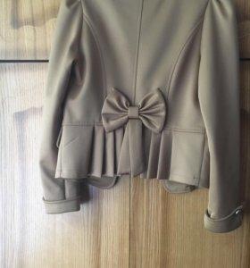 Пиджак женский, состояние нового, размер L