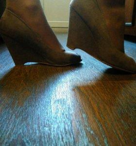 Туфли замшевые- 39(носили мало).