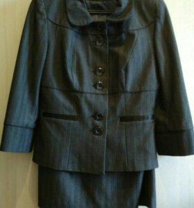 Костюм пиджак+юбка р.46