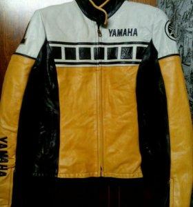 Продам шикарную кожаную куртку размер м