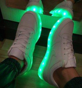 Новые кроссовки ,37размер