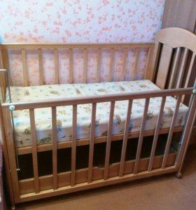 Кровать детская с матрасом.