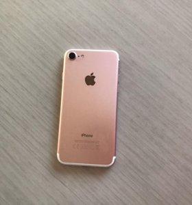 Айфон 7 (розовое золото)
