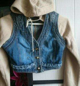 Куртка джинсовая с капюшоном 42-44 размер