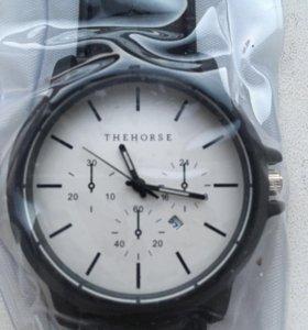 Часы The Horse