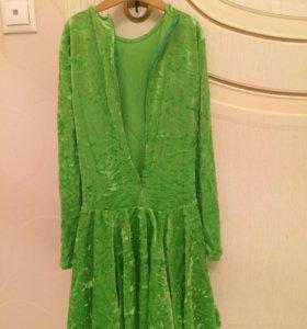 Рейтинговое платье для бальных танцев.