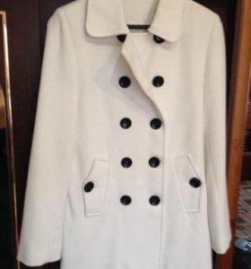Пальто легкое кашемировое 44-46р