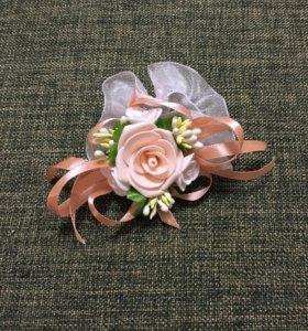 Бутоньерки для подружек невесты!