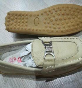 Новые туфли девочке