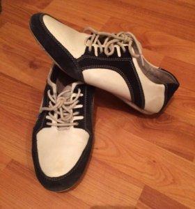 Продам кроссовки из натуральной кожи и замши