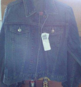 Куртка бенитон новая