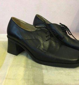 Туфли новые кожаные 40 р.