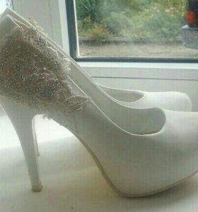 Туфли (свадебные) возможен торг