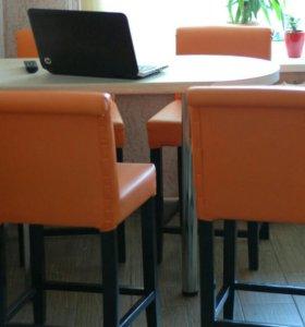 Кухонные стулья и барная стойка