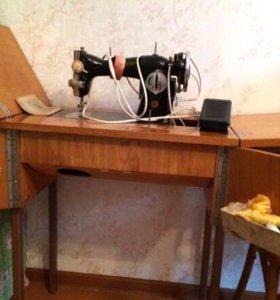 Машинка швейная Зингер раритет 1969г