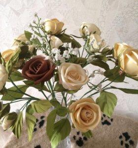 Букетик роз из шелка