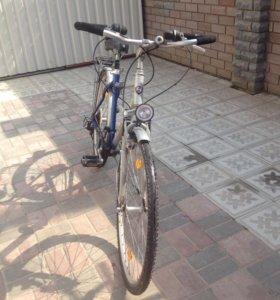 Велосипед шоссейный -турист