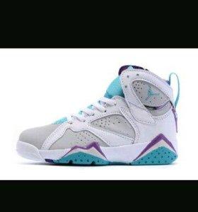 Баскетбольные кроссовки JORDAN 7