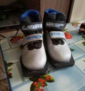 лыжные ботинки на липучках б/у 33размер цена 800