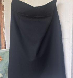 Чёрная юбка с высокой талией