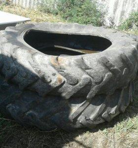Задние тракторные покрышки для канализационной ямы