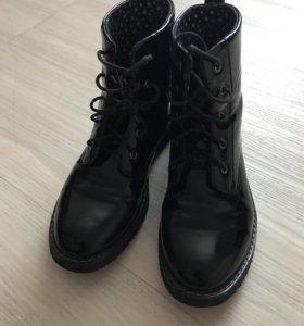 Ботинки лаковые 36 р-р