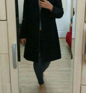 Чёрное пальто Benetton