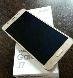телефон Самсунг j7