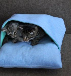 лежак -подушка с карманом для кошек и собак