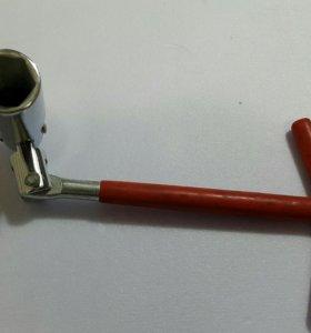 Ключ карданный