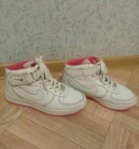 Кроссовки(Nike)
