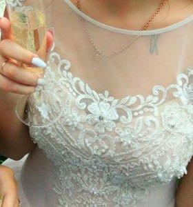 Свадебное платье цвета пудра