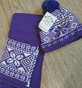 Комплект шапка + шарф (новый)