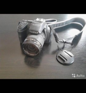 Компактная камера FujiFilm FinePix Hs 25