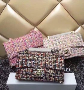 Твидовые сумочки Chanel
