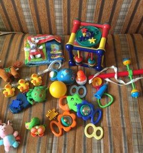 Пакет игрушек малышу