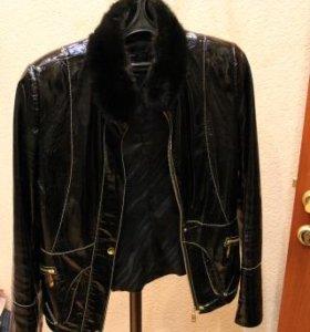 Лакированая кожанная куртка
