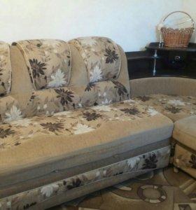 Большой угловой диван и кресло- кровать