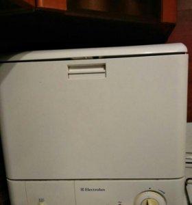 Посудомоечная машина Elektrolux