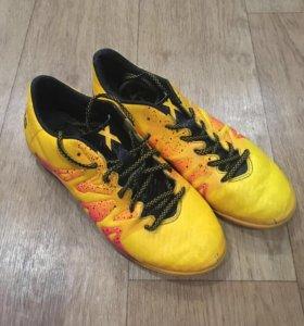 Бутсы футбольные Adidas. модель adidas X15
