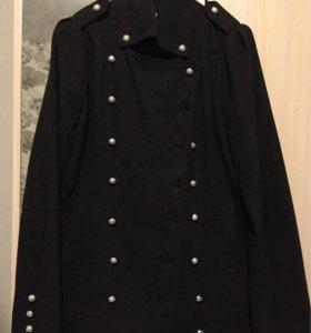 Пальто шерстяное