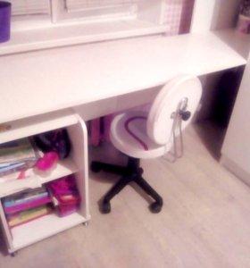 Кровать-чердак, стол