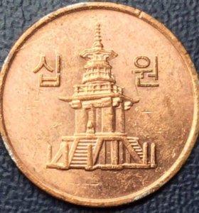 "Монета Южной Кореи, 10 вон 2008 ""Тхаботхап"""