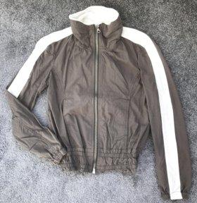 Новая легкая куртка-бомбер